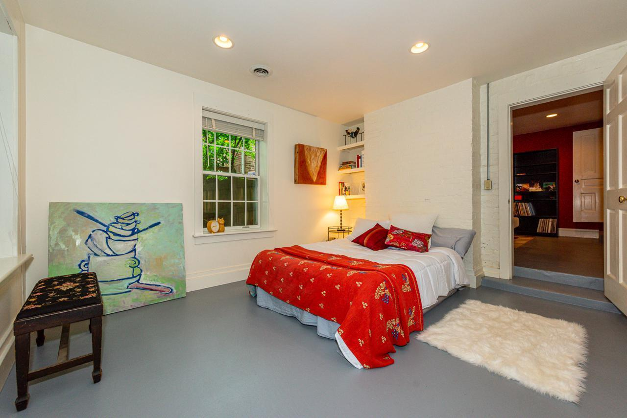 1404  Armstrong Ave-24