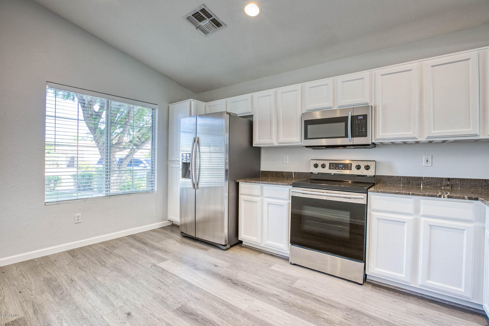 2335 E BROWNING  -6