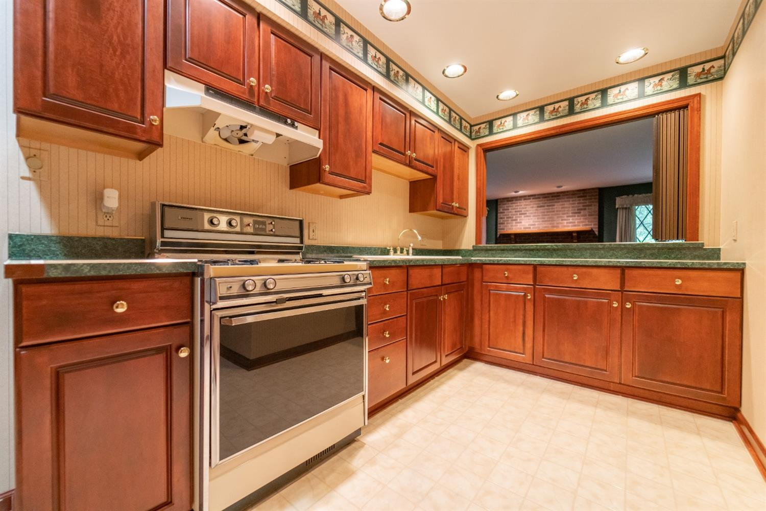 1758  Clifty Creek Court -41